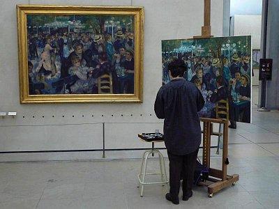 Lidé kopírující slavné obrazy