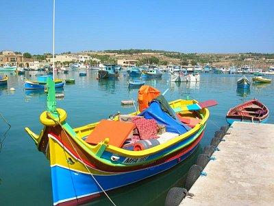 Typické maltské loďky (nahrál: admin)
