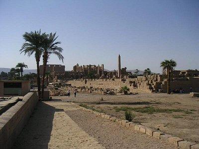 Pohled na ruiny chrámu (nahrál: admin)
