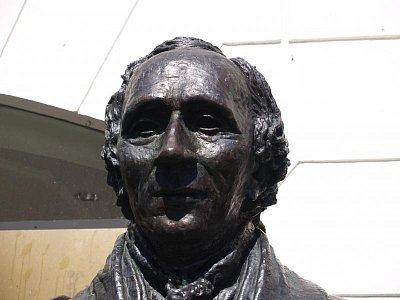 busta H. Ch. Andersena (nahrál: admin)