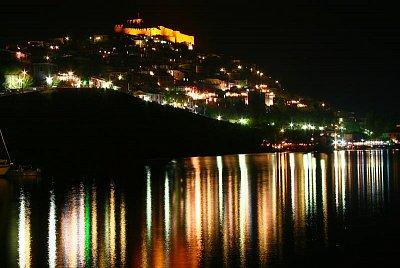 Lesbos - Molyvos - noční přístav (nahrál: Terry)