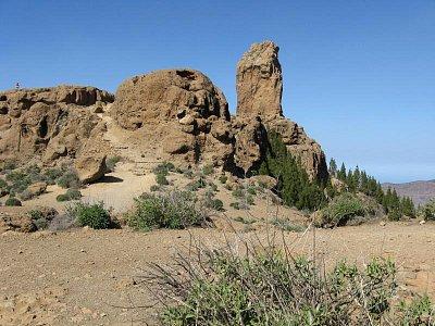 Roque Nublo - Tak tady mi to hodně připomíná NP Arches v Utahu (nahrál: Jana)