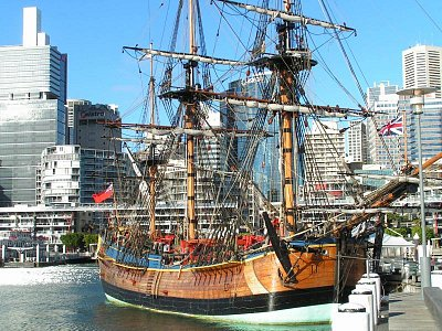Plachetnice Endeavour v Námořním muzeu v Sydney (nahrál: admin)