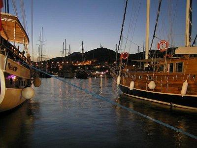 Bodrumský přístav večer (nahrál: DoMi)