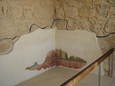 Masada 1.8.2008 - originál je ta stavba a malba na stěně (nahrál: honza)