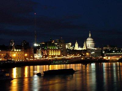 Pohled na noční City (nahrál: admin)