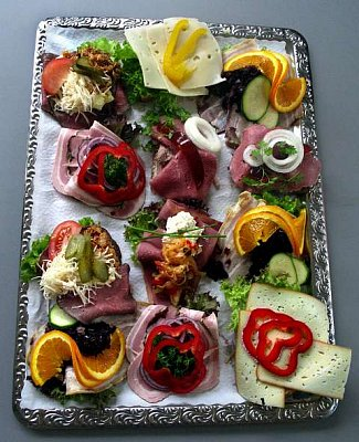 "The famous Danish ""smørrebrød\"" - In Denmark smørrebrød – literally 'buttered bread' in Danish – has provided lunch for the masses for hundreds of years.  (nahrál: Veronika)"
