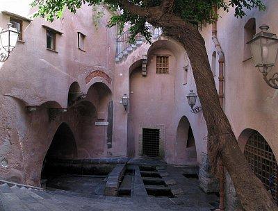 Cefalú - středověká prádelna (nahrál: Jiří Mastil)