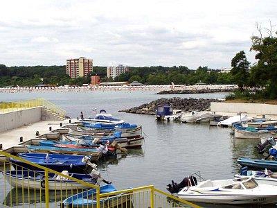 přístav u jižní pláže (nahrál: pavlaurb)