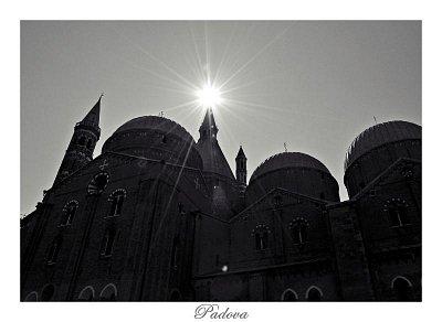 Bazilika di Sant\'Antonio (nahrál: lie)