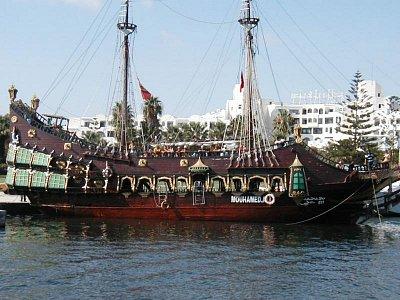 Piráti  (nahrál: HelčaS)