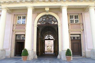 Bratislava - Primaciálný palác (nahrál: petras21)