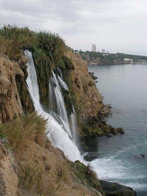 Antalya - vodopády v meste Antalya (nahrál: anchoviska)
